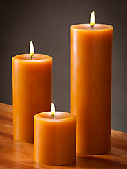 Unfortgettably Fragrant Candles in Three Warm Holiday Scents