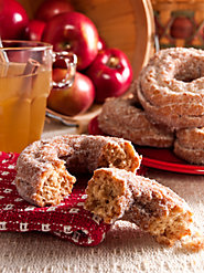 Enjoy the Taste of Autumn in New England with Vermont Cider Doughnuts