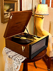 Just Plug It This Crosley Record Player, Put on a Record—Even a 45!—And Kick Off Your Shoes