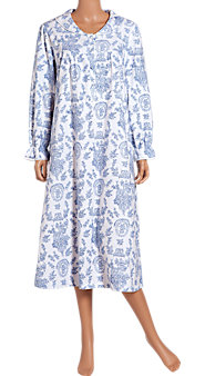 Portrait Collar Flannel Nightgown