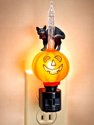 Halloween Bubble Night-Light With Pumpkin and Black Cat