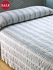 Vintage Jacquard Stripe Seersucker Cotton Bedspread Gives Your Bedroom a Breezy Feel
